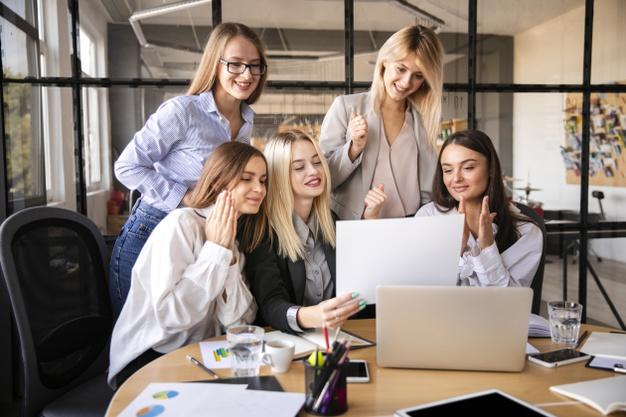 Premium Photo   Business women team at office